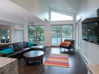 Luxury 5 bedroom Lakefront contemporary home - Whistler vacation rentals