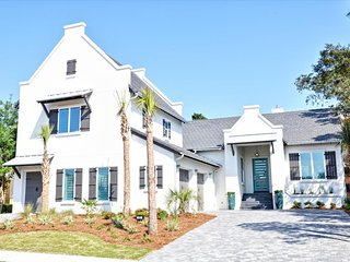 Sea Esta Retreat - gorgeous Modern Home in Gated Community - Destin vacation rentals