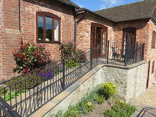 Linley Cottage, Hesterworth Holidays, 5* Bed and Breakfast, quiet, lovely views. - Hopesay vacation rentals