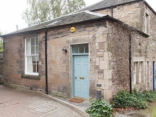 Unique, bright two bedroom house with private parking - Edinburgh vacation rentals