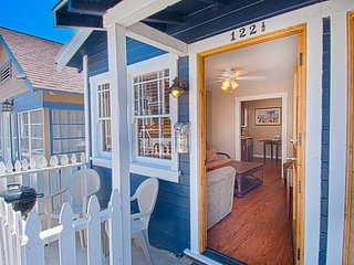 Nice House with DVD Player and Microwave - Newport Beach vacation rentals