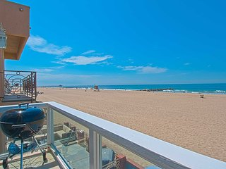 Beautiful House with Deck and DVD Player - Newport Beach vacation rentals