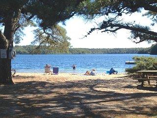 Walk to Sheep's Pond, Brewster, sleeps 10--010-B - Brewster vacation rentals