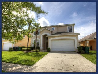 Stunning 7 Bed Home with Private Pool - Games Room - Four Corners vacation rentals