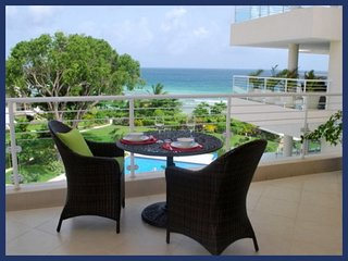 Stunning 2 Bed Condo with Pool and Gym - Hastings vacation rentals