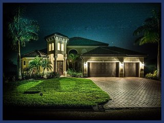 Beautiful 4 Bed Waterfront Villa with Private Pool - Cape Coral vacation rentals