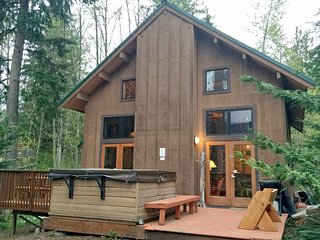 44MBR Rustic Cabin with Modern Charm near Mt. Baker - Glacier vacation rentals