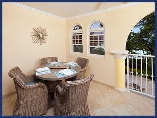 Gorgeous Barbados condo has a unique split level layout. With two beautiful bedroom, two bathroom, open-plan living room, kitche - Dover vacation rentals