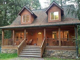 89GS Cedar & Log Cabin close to Mt. Baker - Glacier vacation rentals