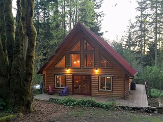 21GS Country Cabin near Skiing and Hiking at Mt. Baker - Glacier vacation rentals