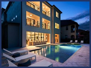 Luxury Family Home with Private Pool, Home Theatre - Reunion vacation rentals