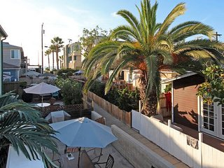 (MS2) Steps to Beach! - Patio/BBQ - San Diego vacation rentals