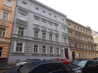 Prague, furnished apartment for rent 3 + kk (96 m2) - Prague vacation rentals