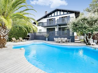 Lovely Family Villa with Pool in Le Pyla - Pyla-sur-Mer vacation rentals