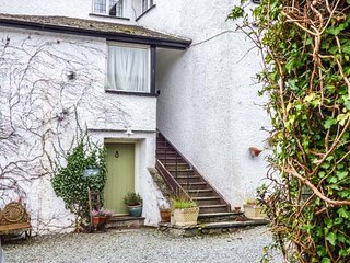 POTTER COTTAGE, all ground floor, open plan living area, shared gardens and grounds, Sawrey, Ref 946440 - Sawrey vacation rentals