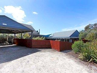 Tasman Cottage - Rear Cottage - Rye vacation rentals