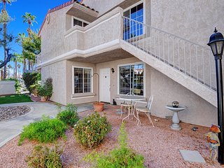 2 bedroom Apartment with Deck in Palm Springs - Palm Springs vacation rentals