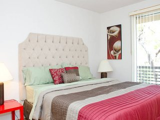 FABULOUS 2BD APT in Hollywood - West Hollywood vacation rentals