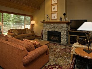 Nice Townhouse with Deck and Internet Access - Whistler vacation rentals