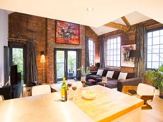 """Luxurious"" Two Bed Brick Loft Apartment - Bristol vacation rentals"
