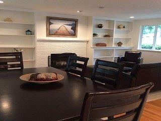 Furnished 3-Bedroom Duplex at 8th Ave NE & NE Serpentine Pl Shoreline - Shoreline vacation rentals