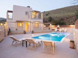 Beautiful 3 bedroom Villa in Exopoli - Exopoli vacation rentals