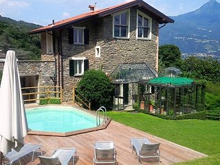 Cosy family-friendly villa with pool and lakeview - San Siro vacation rentals