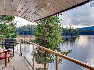 Country Cottage Two Bedroom Suite, 2 bathroom, on Idabel Lake, Near Kelowna - Idabel Lake vacation rentals