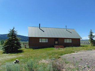 Henry's Lake Overlook cabin (left) - close to Yellowstone - Macks Inn vacation rentals
