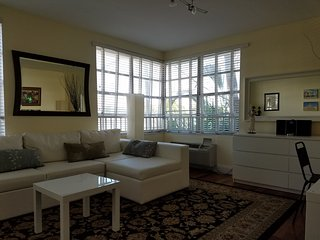 Nice 1 bedroom Miami Beach Apartment with Internet Access - Miami Beach vacation rentals