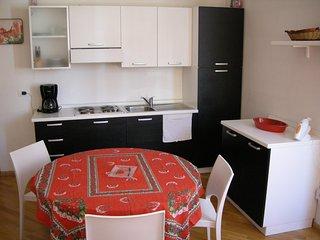 1 bedroom Condo with A/C in Trento - Trento vacation rentals