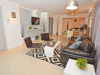 Designer Style Villa #2 minutes from hollywood beach - Hollywood vacation rentals