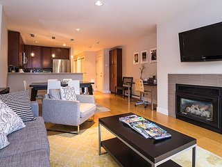 Chic 2BR Avon Condo w/Mountain Views - Gourmet Kitchen, Minutes to Skiing - Avon vacation rentals