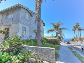 Tiki Townhouse, Ocean Views, Walk to Beach - La Jolla vacation rentals