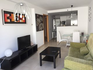 Perfect 2 bedroom Apartment in Calella with Deck - Calella vacation rentals