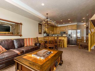 Lakeside Unit 21A | 1 Bed - Huntsville vacation rentals
