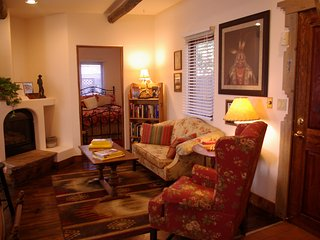 Charming Taos-Style Bungalow Centrally Located to All Attractions - Colorado Springs vacation rentals