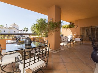 280 m2 GIANT DUPLEX PENTHOUSE next to the beach. Perfect for families & friends. - Marbella vacation rentals