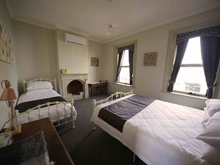 Romantic 1 bedroom Latrobe Apartment with A/C - Latrobe vacation rentals