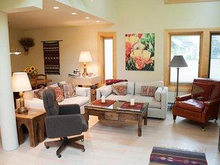 Cozy 2 bedroom Ketchum Apartment with Television - Ketchum vacation rentals