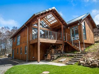 RATHAD AN DROBHAIR, stunning views, eco-friendly, WiFi, Strathpeffer, Ref 946160 - Strathpeffer vacation rentals