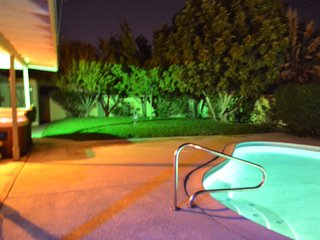5 minutes to Strip and Convention Cntr POOL and HOT TUB Home - Las Vegas vacation rentals