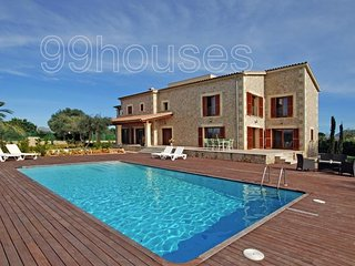 House close to Alcudia Old Town area. - Alcudia vacation rentals