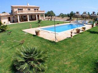 Rustic house with pool in a rural area. - Santa Margalida vacation rentals