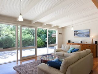 Maryrose - Beautiful, walk to beach - Blairgowrie vacation rentals