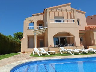 Lovely 4 bedroom Villa in L'Ametlla de Mar with Television - L'Ametlla de Mar vacation rentals