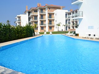 HK AG- São Martinho do Porto - Apartment T2-6PAX with shared pool near the beach - Sao Martinho do Porto vacation rentals