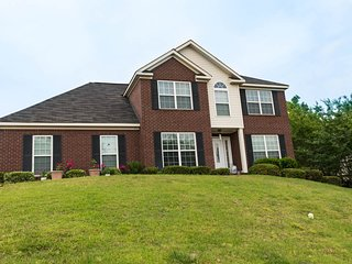 An Adorable Home: Cuddle up you with comforts...! - Augusta vacation rentals