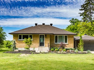 Luxury Vineyard Cottage Rental - Niagara-on-the-Lake vacation rentals