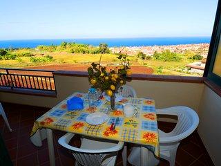 Appartamento del Sole con Vista Mare N°7 - Santa Domenica di Ricadi vacation rentals